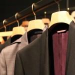 コスプレ用スーツが欲しい!通販で欲しい色は見つかる?